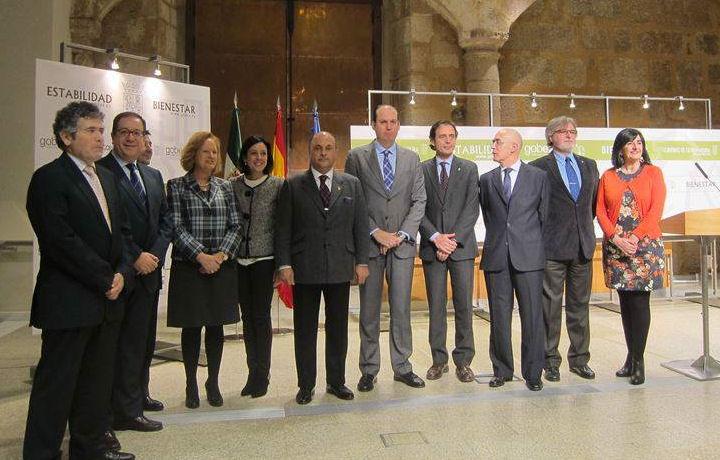 Extremadura da categoría de autoridad profesional a los 17.000 sanitarios de la región
