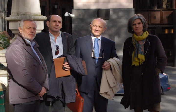 El presidente del SATSE, Víctor Aznar; el secretario general de SATSE Euskadi, José Antonio De Leniz; el presidente del Consejo General de Enfermería, Máximo González Jurado y la presidenta del Colegio de Enfermería de Vizcaya, María José García Etxaniz.