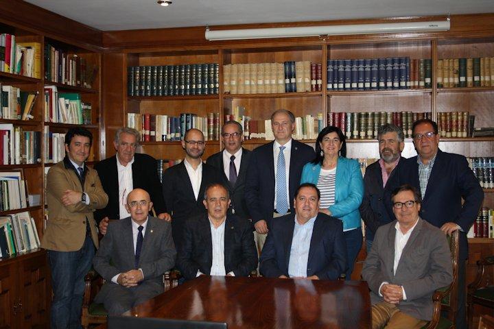 Los Colegios Profesionales Sanitarios de Extremadura piden la regulación de la publicidad sanitaria en la región