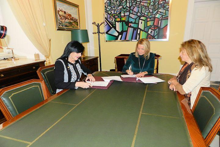 Convenio de colaboración del Colegio de Enfermería de Cáceres con el Ayuntamiento de Cáceres